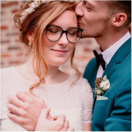 ✨Publication✨  C'est beau l'amour non ?💕 Allez vite découvrir les magnifiques photos de @oceanedrollat publier sur @unbeaujour 😍🙏🏻✨ Une belle équipe de presta réunie par les Wedding planner @___onceuponatable___ 📄 👰Robe de mariée @annadautry 🤵Costume @lapieceur 💐Décoration florale @atelier_blossom 💍Bijoux et couronnes de fleurs @pivoinesandlove 🍽Vaisselle et décoration @vaissellevintage 💌Papeterie @lesbanditsevents 🎂Traiteur @delmasprimeur 🏡Lieu @lesbonnesjoies 📽Vidéo @nine.prod 💄Make Up et coiffure By me with @zaomakeup_official ✨ -  #shooting #publication #blog #wedding #mariage #lesbonnesjoies #photography #photographer #weddingday #weddingphotography #weddingphotographers #weddingplanner #love #loveisintheair #couple #bride #bridetobe #grooms #weddingdress  #muah #weddingmua #weddinghairstyle #makeupartist #hairartists #light #industriel